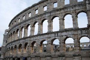 the-coliseum-1658372_1280